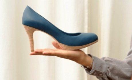 sepatu hak tinggi wanita