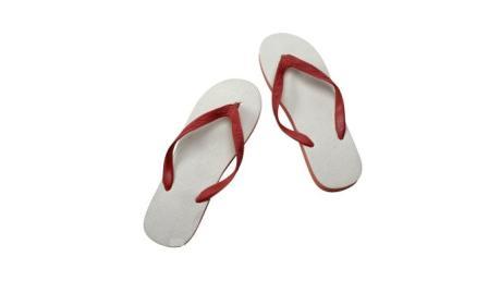 shalat pakai sandal