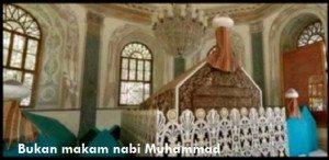 bukan foto makam nabi muhammad