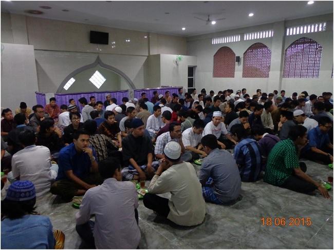 Padatnya peserta buka puasa bersama bulan Ramadhan