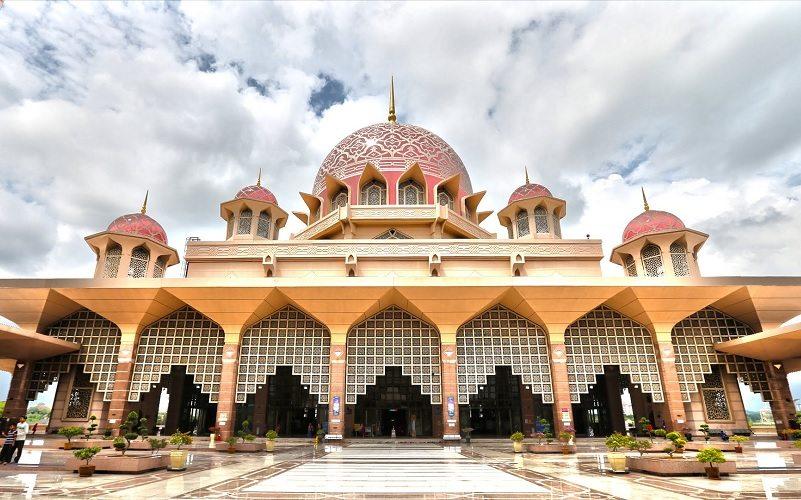 Apakah Masjid Harus di Tanah Wakaf? | Konsultasi Agama dan